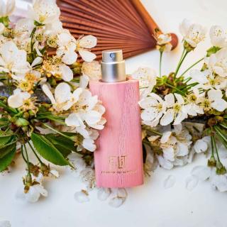 Eau de Parfum KADO - JAPON avec son écrin de bois - FiiLiT Parfum du voyage